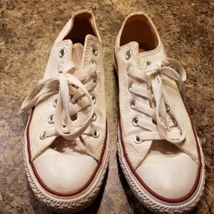 White size 7 converse shoes